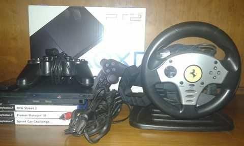 PlayStation 2 com 4 jogos, 1 comando e 1 volante com pedais