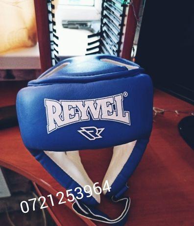 Шлем боксерский.
