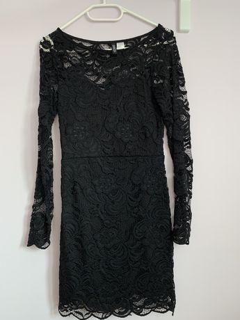 Czarna koronkowa sukienka H&M 32