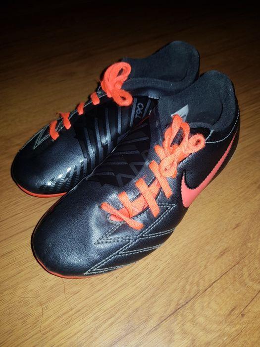 Czarne korki nike buty do pilki nożnej halowej r.31,5 wkl.19,5cm Przemyśl - image 1