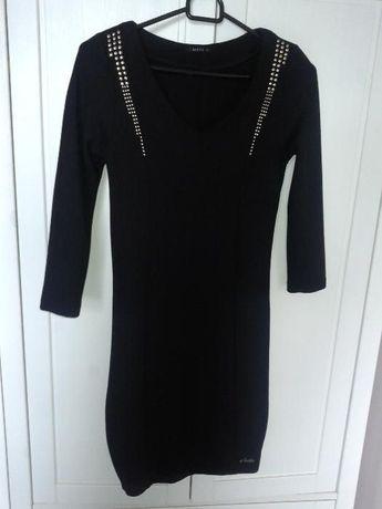 czarna sukienka Mohito s