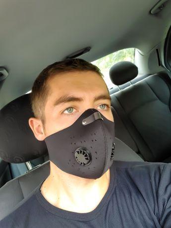 Чёрная защитная маска не медецинская с клапаном HLight