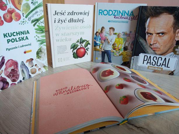 Zestaw 4 książek kucharskich