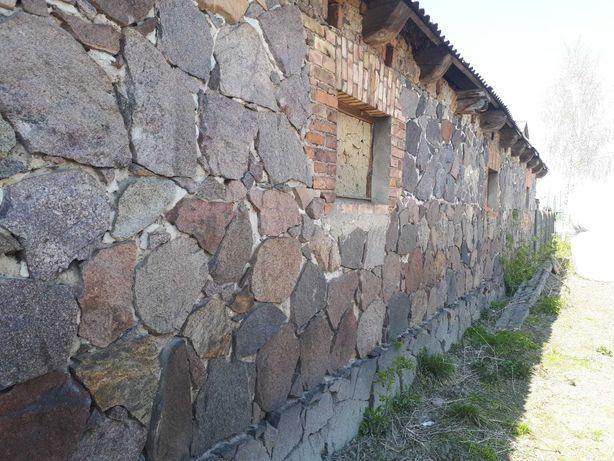 Stara kamienna stodoła/obora do rozbiórki