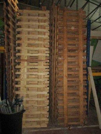 Cerca de vedação em madeira
