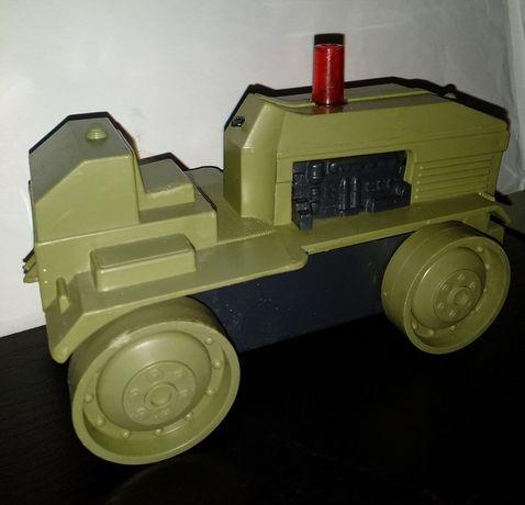 Игрушка Трактор времен СССР.