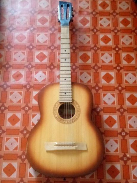 Классическая акустическая 6-струнная гитара Трембита в отличном сост