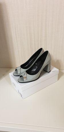 Туфли с открытым носком Stefano Lompas  39-40