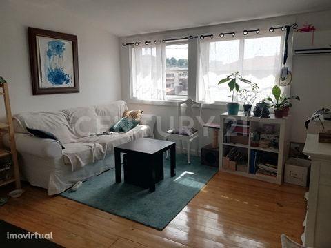 Imóvel para Investimento - Prédio com 4 apartamentos arrendados