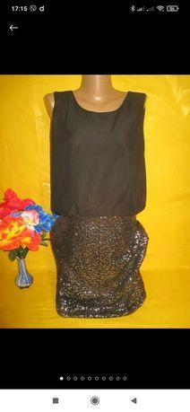 Продам платье с паетками