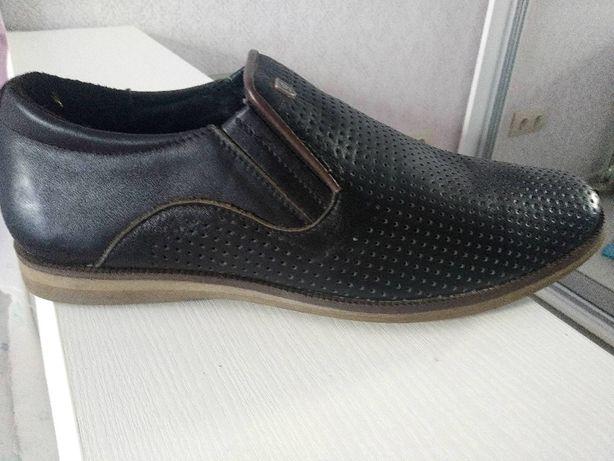 Черные кожаные мужские туфли 40р.