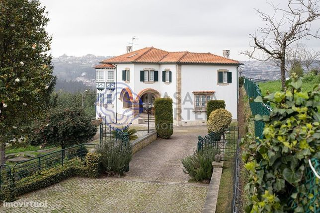 Quinta com 59000m2 e 3 casas entre Porto e Aveiro