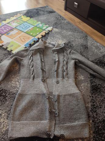 Przedluzany gruby sweter