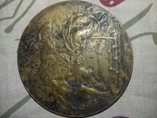 Настольный медальон
