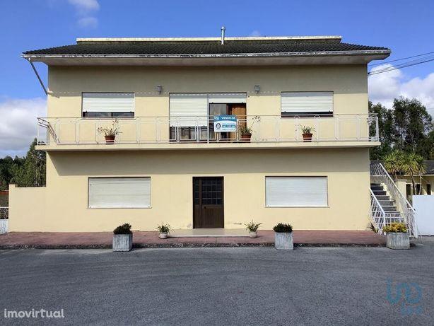 Moradia - 658 m² - T18
