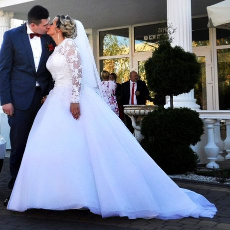 Suknia ślubna princess + halka oraz bolerko