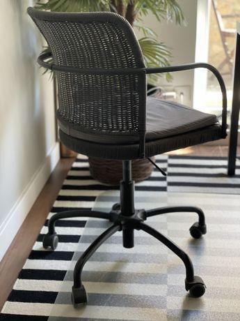 Cadeira de escritorio ferro almofadada
