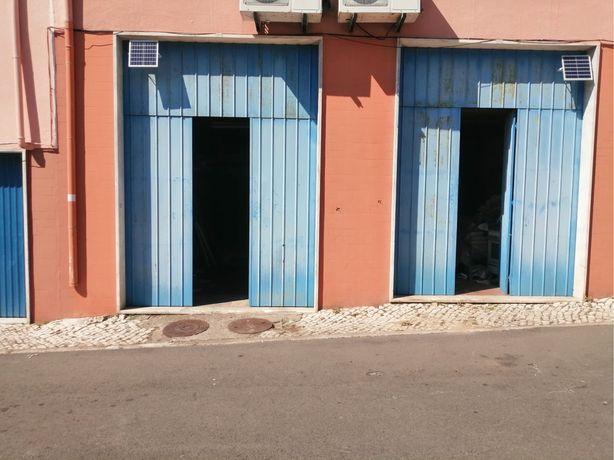 Alugam-se 2 garages em Massamá com excelente optimização do espaço!