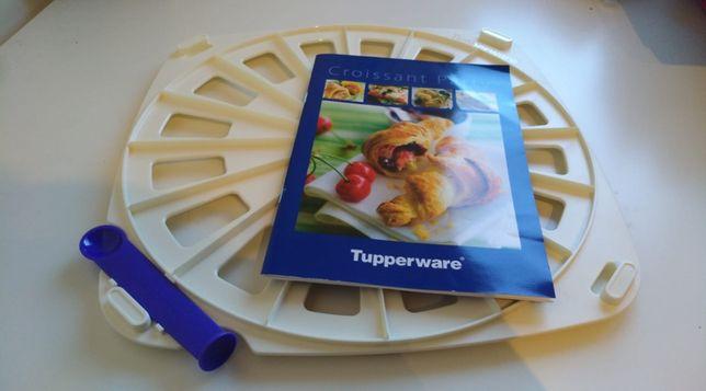 Croissant Party com livro de receitas da Tupperware