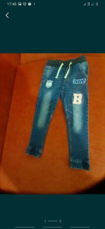 Детские джинсы 128рост