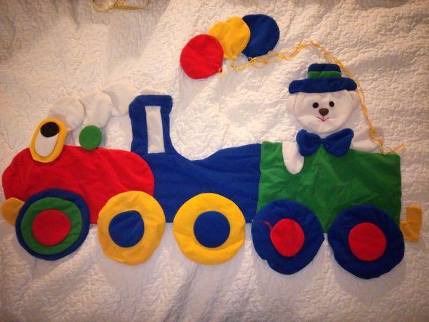 Dekoracja do pokoju dziecięcego materiałowa pociąg
