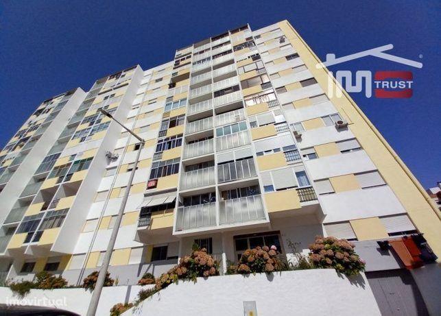 T2 Miratejo, Com Varanda e 2 Elevadores, Fácil Acesso a Lisboa