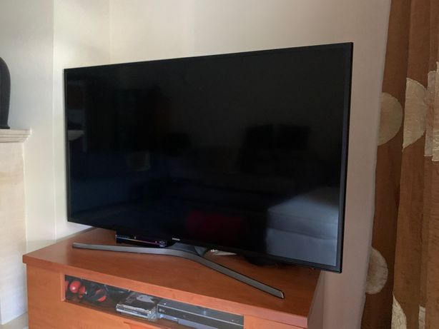 Televisão Samsung 4 K Smart TV 49 polegadas
