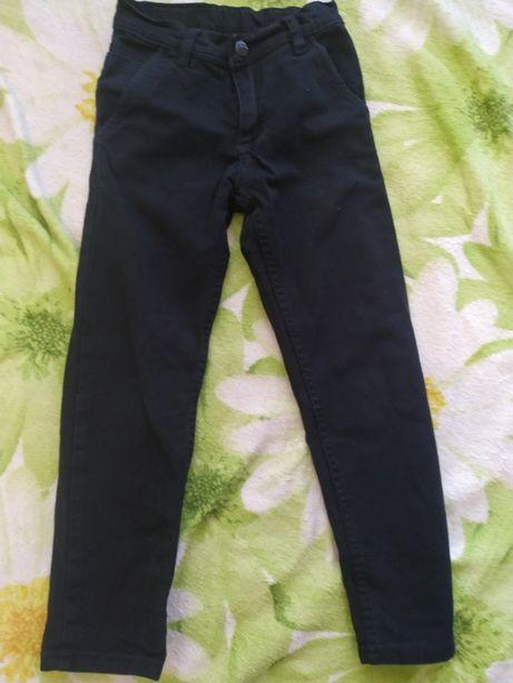 Продам брюки на мальчика 7 лет