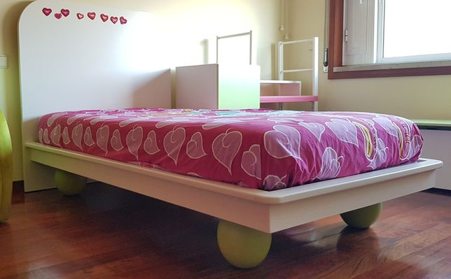 Cama de Criança lacada com colchao 90x180