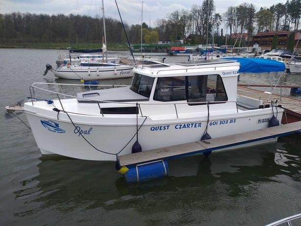 Czarter wynajem łódź Jacht motorowy Quest 825 Mazury bez patentu