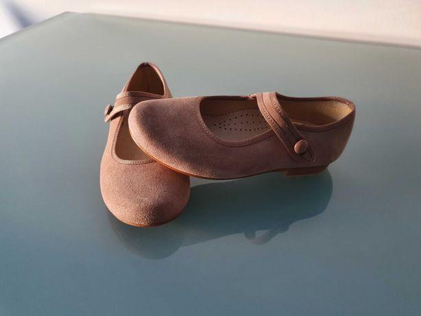 vendo sapatos cor tostado tamanho 29 em excelente estado