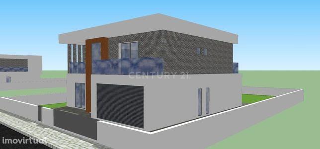 Moradia para construção em terreno com 554m2- Palmela