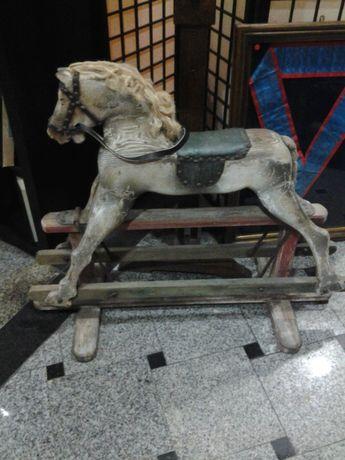 Brinquedo antigo - CAVALO BALOIÇO.