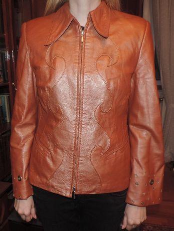 Куртка шкіряна для дівчини, злегка утеплена