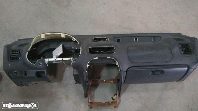 Tablier Rover 25 ou MG ZR com airbag