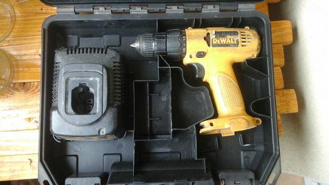 Dewalt wiertarkowkrętarka akumulatorowa 12v samo body i walizka