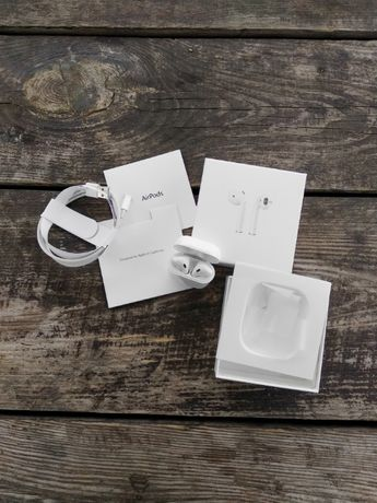 Наушники AirPods 2 with Wireless Charging Case!