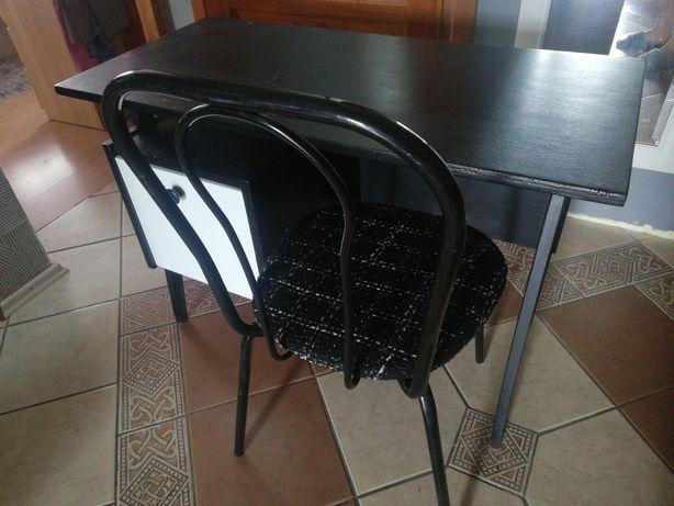 Czarne Biurko plus krzesło z nowym obiciem