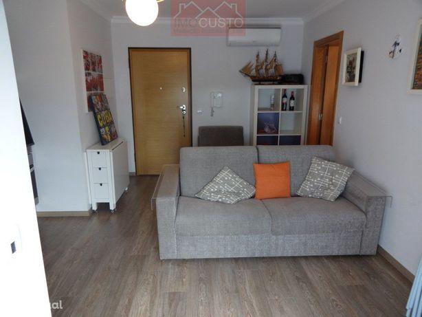 RefªAFT1-668 - Apartamento T1 com amplo terraço e parquea...