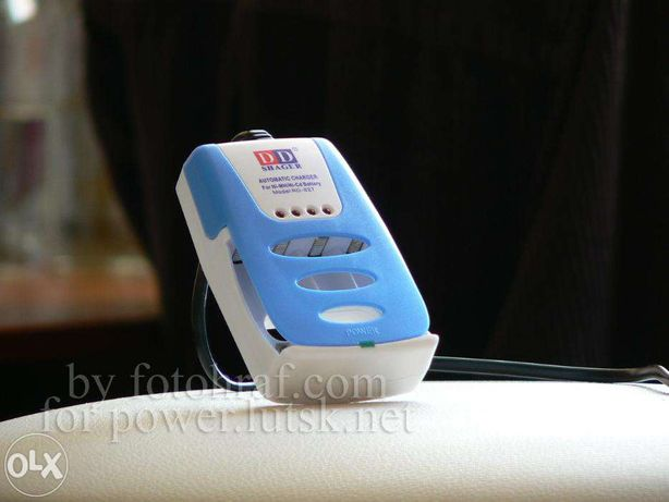 4-канальний зарядник для Ni-MH акумуляторів