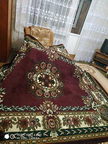 Продам килим красивого кольору
