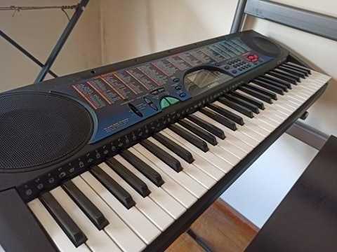 Teclado / Piano Casio CTK-495 (61 teclas)