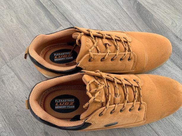 Продам мужские ботинки Lugz