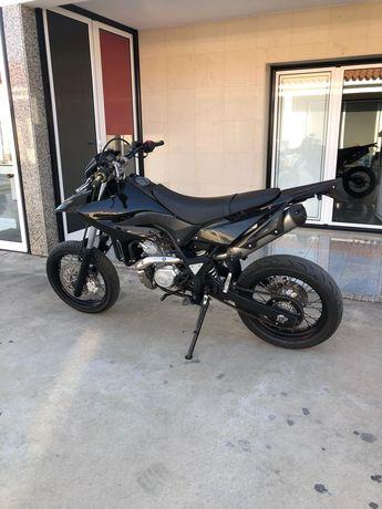 Yamaha wr125x supermotard