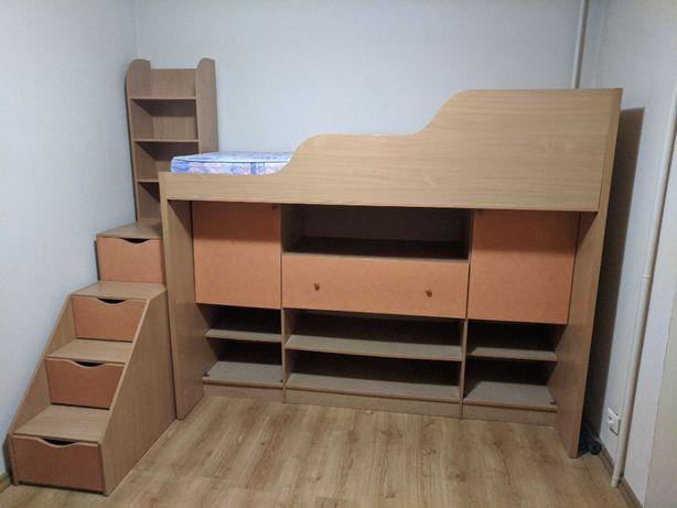 Детский гарнитур. Кровать+матрас, шкафы, полки.