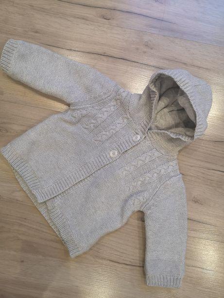 Ciepły szary sweterek dla niemowlaka 3-6 miesiąca