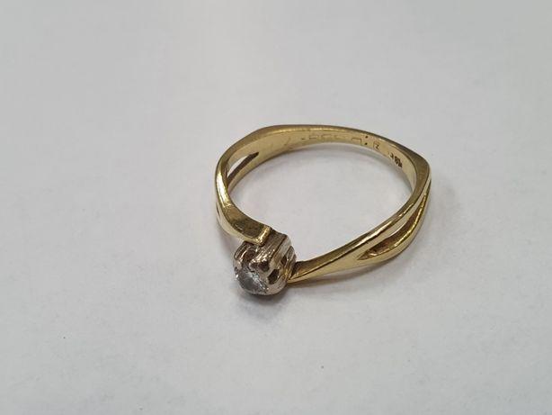 Ciekawy złoty pierścionek/ 750/ 3.49 gram/ DIA 0.15CT/ Wycena/ R17