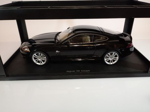 Model 1/18 Jaguar XK coupe Autoart kolekcja