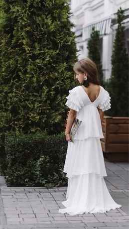 Невероятной красоты платье