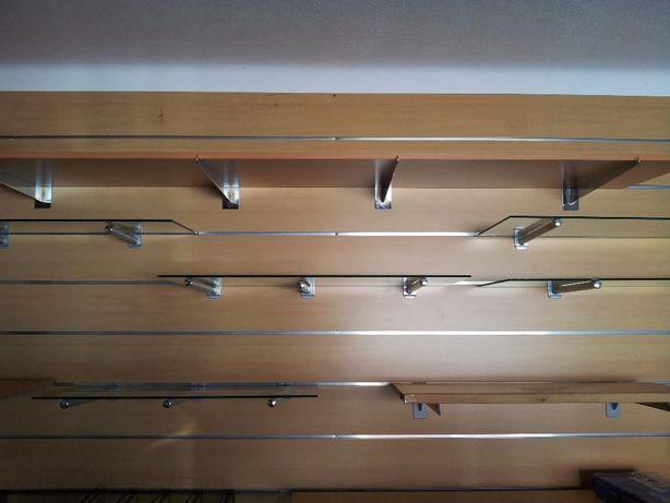 Placas de madeira MDF para forrar paredes de espaços comerciais